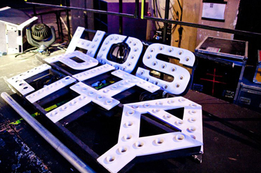 Hospitality light sign in three pieces